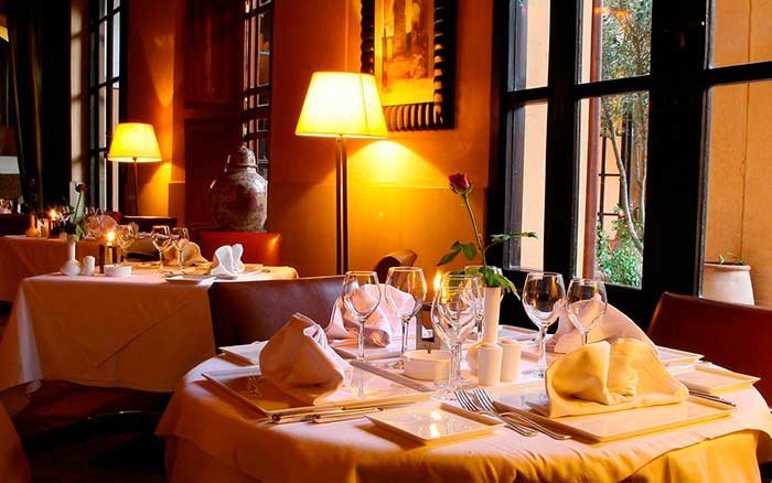 Jardins de la Koutubia is a hotel with Moroccan and International cuisine in Marrakech. Main Square area.