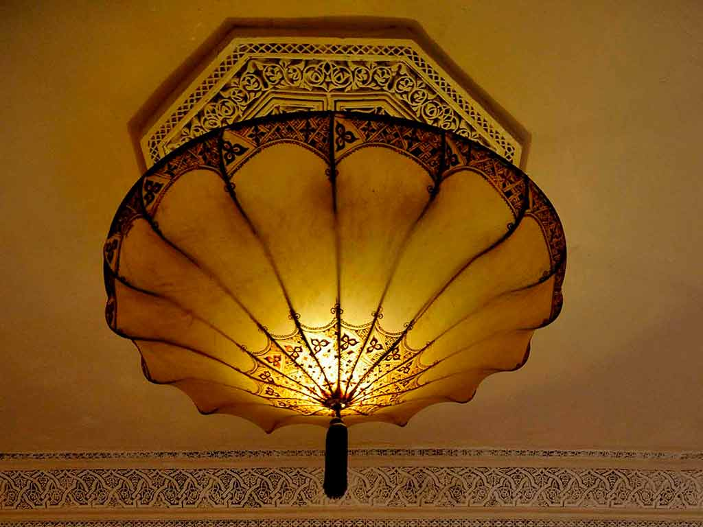 Fortuny´s lamp in Riad Aguaviva. Maps room.
