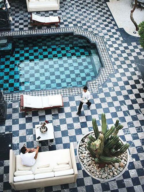 Lotus Privilege is a riad in Marrakech with restaurant. Moroccan and creative cuisine, wifi, lounge pool and more