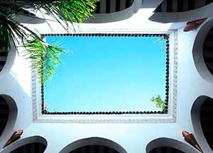 Riad Aguaviva. Arches from the patio.
